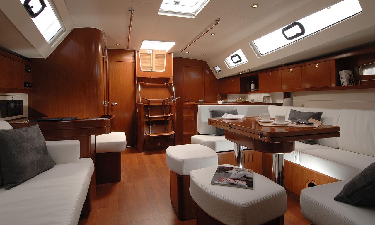 yacht-saloon-01