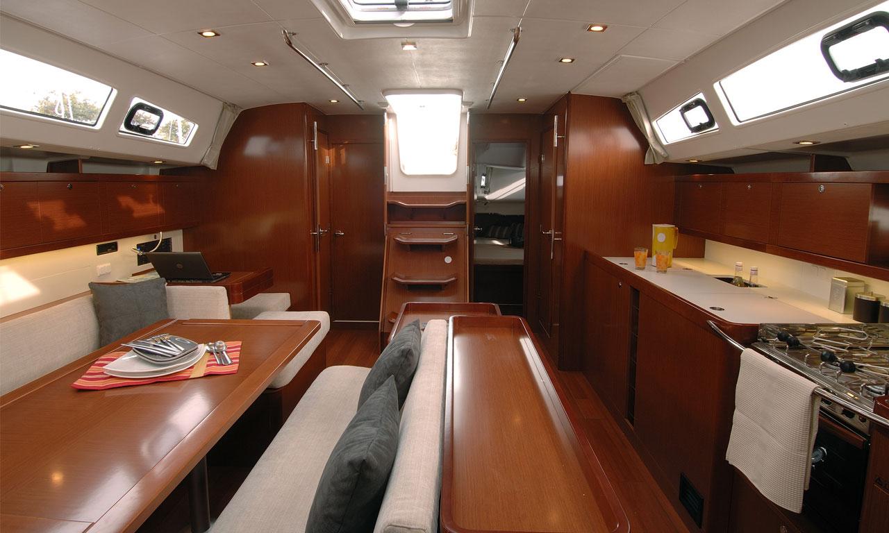 yacht-saloon-02