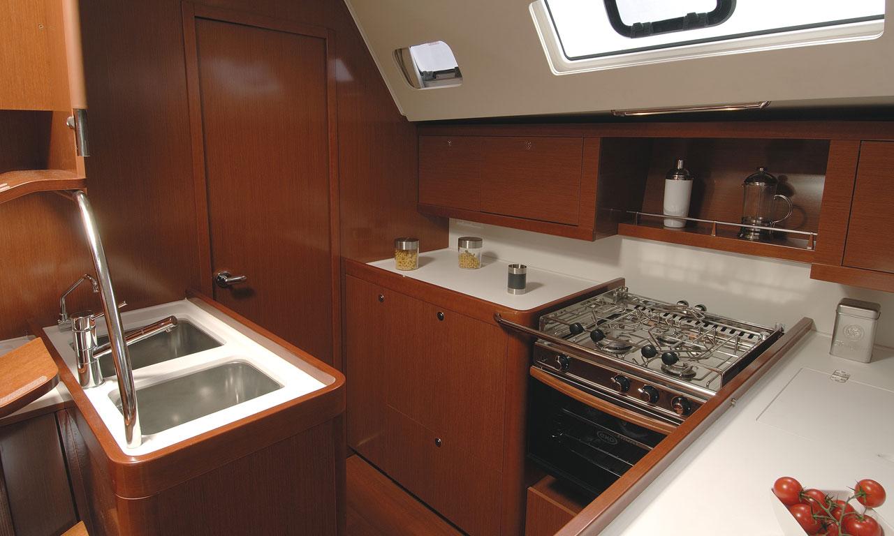 yacht-saloon-07
